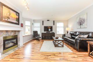 "Photo 4: 26 9036 208 Street in Langley: Walnut Grove Townhouse for sale in ""Hunter's Glen"" : MLS®# R2159058"