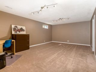 Photo 18: 307 Silver Springs Rise NW in Calgary: Silver Springs Detached for sale : MLS®# A1025605