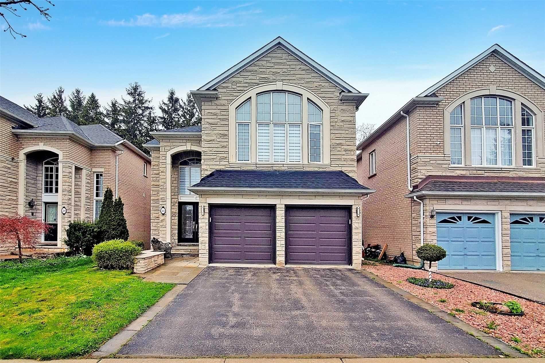 Main Photo: 18 Vitlor Drive in Richmond Hill: Oak Ridges House (2-Storey) for sale : MLS®# N5223972