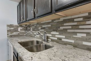 Photo 14: 33 AMBERLY Court in Edmonton: Zone 02 Townhouse for sale : MLS®# E4229833