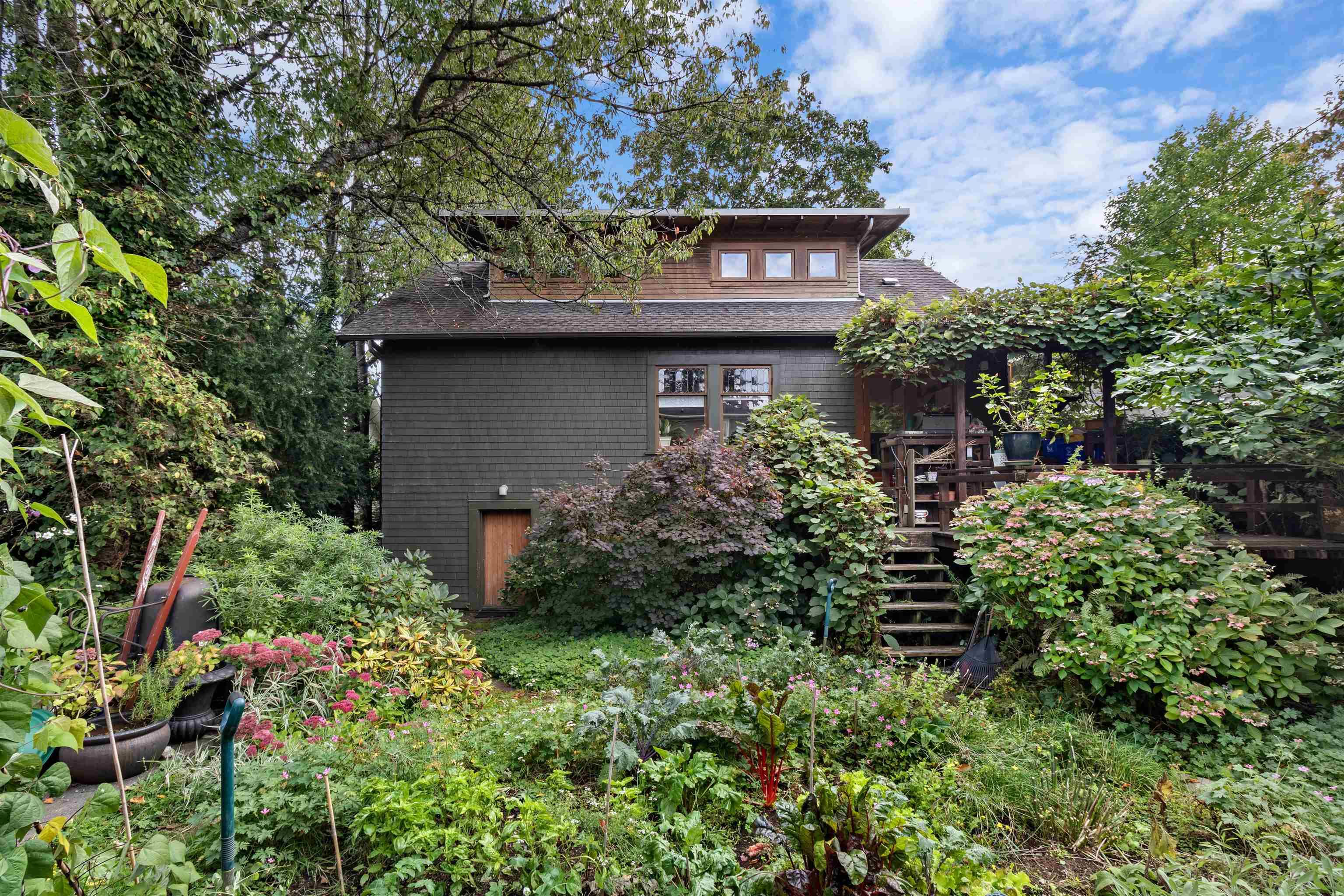 Main Photo: 3463 W 38TH Avenue in Vancouver: Dunbar House for sale (Vancouver West)  : MLS®# R2621549