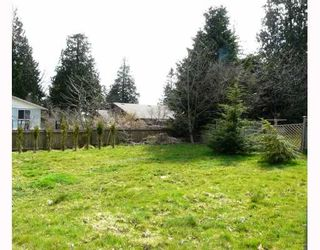 """Photo 9: 91 CLARK Road in Gibsons: Gibsons & Area House for sale in """"SUNNYSIDE"""" (Sunshine Coast)  : MLS®# V761169"""
