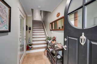"""Photo 3: 527 2580 LANGDON Street in Abbotsford: Abbotsford West Townhouse for sale in """"BROWNSTONES"""" : MLS®# R2607055"""