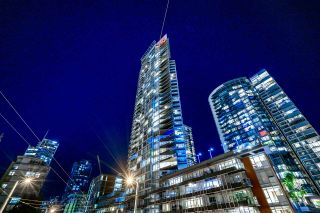 """Photo 2: 4601 1372 SEYMOUR Street in Vancouver: Downtown VW Condo for sale in """"The Mark"""" (Vancouver West)  : MLS®# R2618658"""