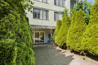 """Photo 2: 806 1250 BURNABY Street in Vancouver: West End VW Condo for sale in """"THE HORIZON"""" (Vancouver West)  : MLS®# R2583245"""