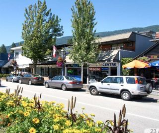 """Photo 2: 200 2432 HAYWOOD Avenue in West Vancouver: Dundarave Condo for sale in """"THE HAYWOOD"""" : MLS®# R2531001"""