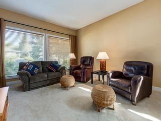 Photo 5: 226 SILVER MEAD Crescent NW in Calgary: Silver Springs Detached for sale : MLS®# A1025505