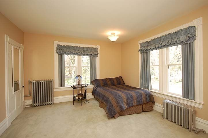 """Photo 11: Photos: 126 GRANVILLE Street in New Westminster: Queens Park House  in """"QUEENS PARK"""" : MLS®# V819929"""