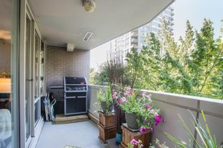 """Photo 12: 311 1288 MARINASIDE Crescent in Vancouver: Yaletown Condo for sale in """"Crestmark I"""" (Vancouver West)  : MLS®# R2602916"""