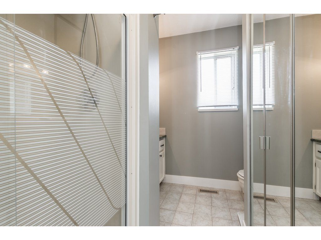 Photo 10: Photos: 33117 HILL Avenue in Mission: Mission BC House for sale : MLS®# R2271316