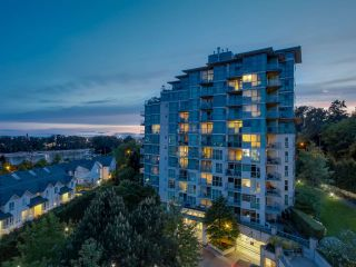 """Photo 13: 803 2763 CHANDLERY Place in Vancouver: Fraserview VE Condo for sale in """"RIVER DANCE"""" (Vancouver East)  : MLS®# R2067616"""