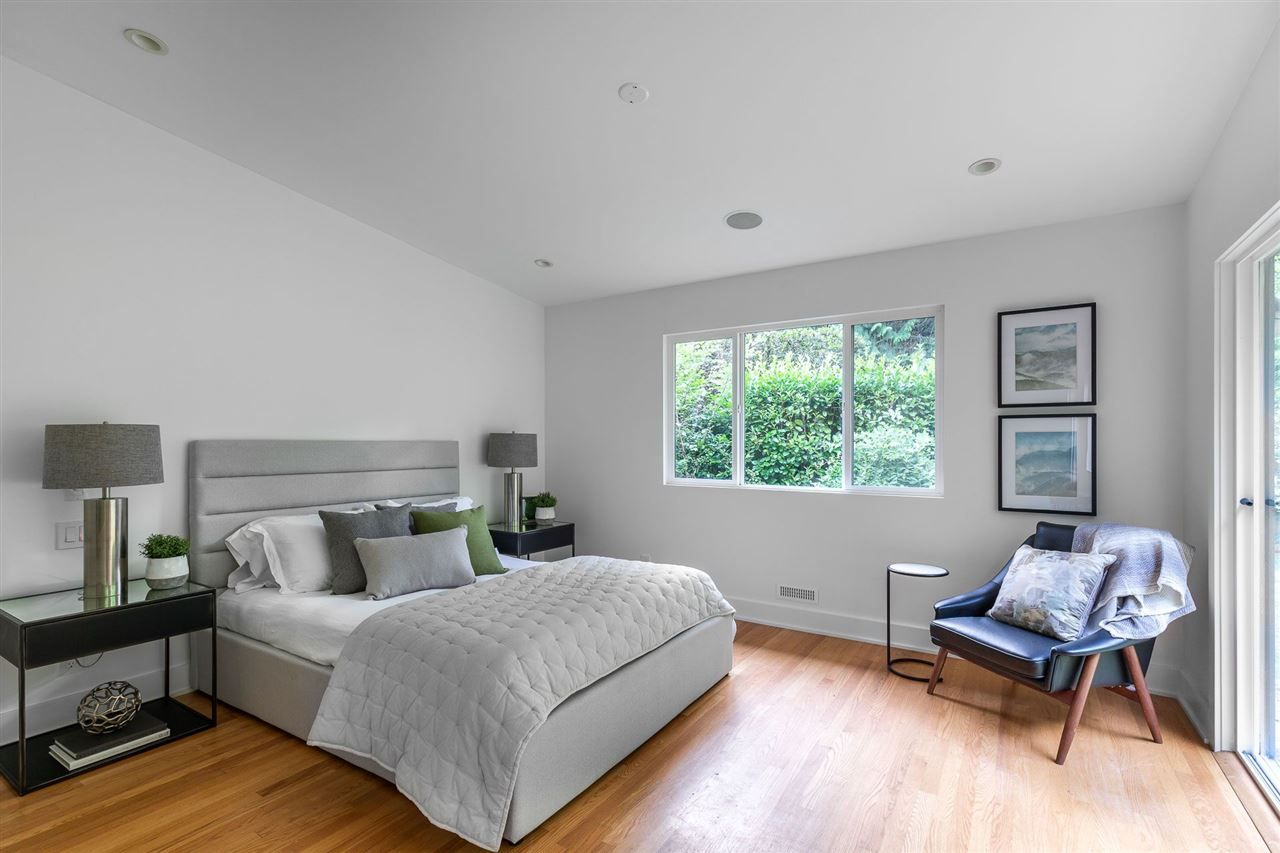 Photo 11: Photos: 315 MULGRAVE Place in West Vancouver: British Properties House for sale : MLS®# R2483368
