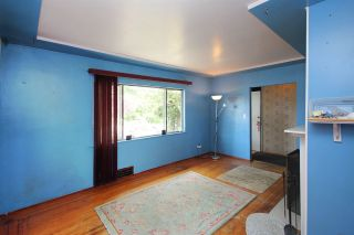 Photo 3: 8142 15TH Avenue in Burnaby: East Burnaby House for sale (Burnaby East)  : MLS®# R2287707