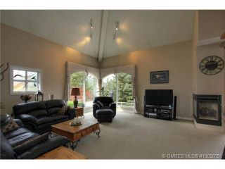 Photo 7: 880 Christina Place in Kelowna: Residential Detached for sale : MLS®# 10056050
