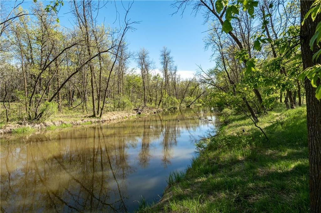 Photo 17: Photos: 312 693 St Anne's Road in Winnipeg: River Park South Condominium for sale (2E)  : MLS®# 202112087