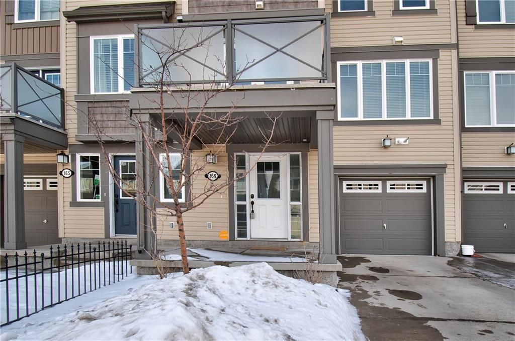 Main Photo: 169 WINDSTONE Avenue SW: Airdrie Row/Townhouse for sale : MLS®# A1064372