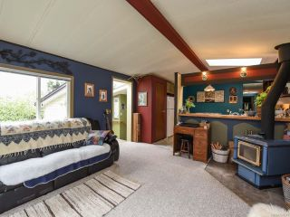 Photo 2: 2550 COPPERFIELD ROAD in COURTENAY: CV Courtenay City Manufactured Home for sale (Comox Valley)  : MLS®# 790511