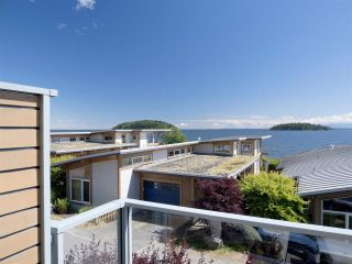 """Photo 36: 6498 WILDFLOWER Place in Sechelt: Sechelt District Townhouse for sale in """"Wakefield Beach - Second Wave"""" (Sunshine Coast)  : MLS®# R2589812"""