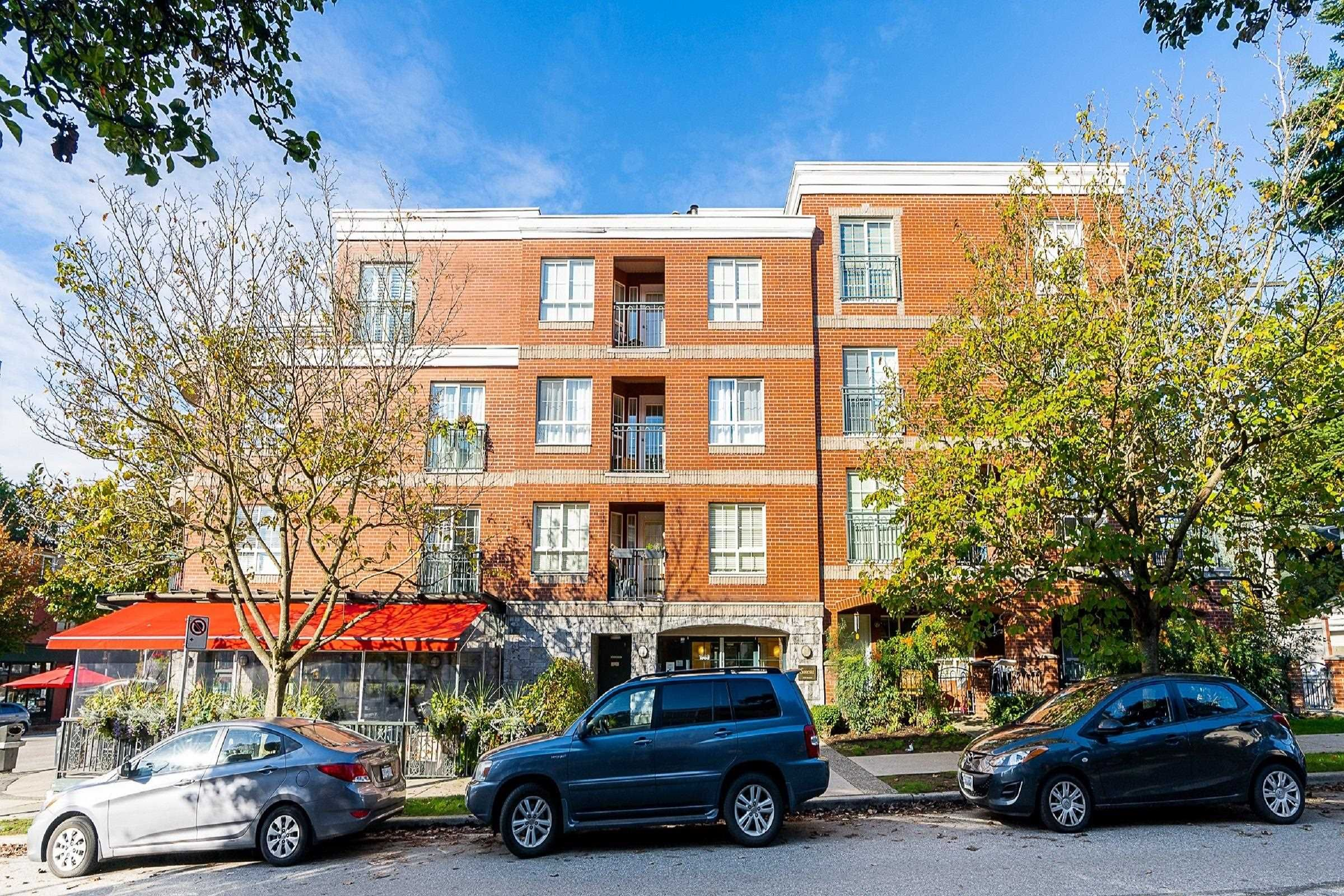 Main Photo: 406 1989 DUNBAR Street in Vancouver: Kitsilano Condo for sale (Vancouver West)  : MLS®# R2624949