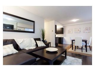"""Photo 2: 102 2299 E 30TH Avenue in Vancouver: Collingwood VE Condo for sale in """"TWIN COURT"""" (Vancouver East)  : MLS®# V1010933"""