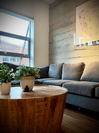 """Photo 3: 405 1228 HOMER Street in Vancouver: Yaletown Condo for sale in """"The Ellison"""" (Vancouver West)  : MLS®# R2617216"""