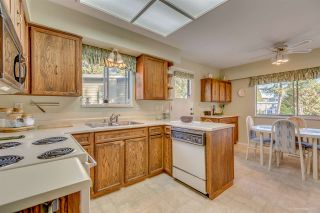 """Photo 4: 3311 DALEBRIGHT Drive in Burnaby: Government Road House for sale in """"GOVERNMENT ROAD"""" (Burnaby North)  : MLS®# R2214815"""