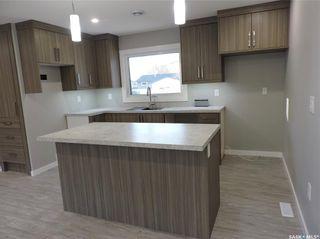 Photo 2: 17 Henderson Drive in Yorkton: North YO Residential for sale : MLS®# SK852875