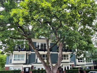 """Photo 1: 3685 W 12TH Avenue in Vancouver: Kitsilano Townhouse for sale in """"TWENTY ON THE PARK"""" (Vancouver West)  : MLS®# R2622614"""