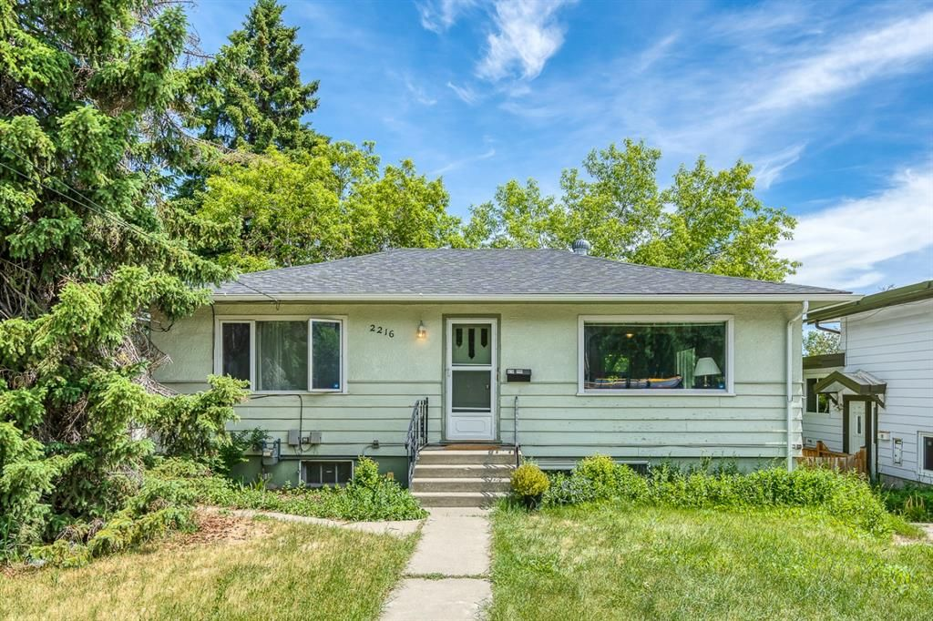 Main Photo: 2216 19 Street SW in Calgary: Bankview Detached for sale : MLS®# A1120406