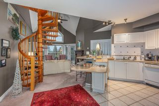Photo 2: 501 34101 OLD YALE Road: Condo for sale in Abbotsford: MLS®# R2518126