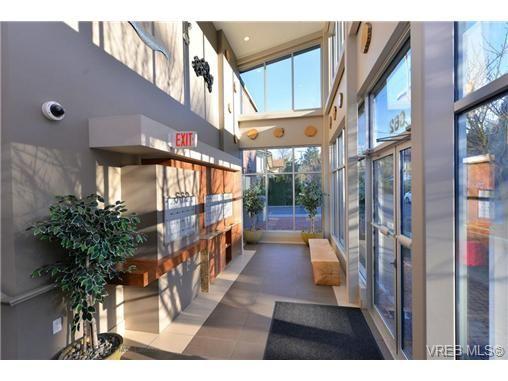Photo 18: Photos: 103 662 Goldstream Ave in VICTORIA: La Fairway Condo for sale (Langford)  : MLS®# 717329