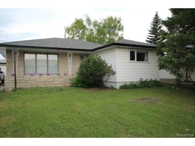 Main Photo: 860 Airlies Street in WINNIPEG: West Kildonan / Garden City Residential for sale (North West Winnipeg)  : MLS®# 1418008