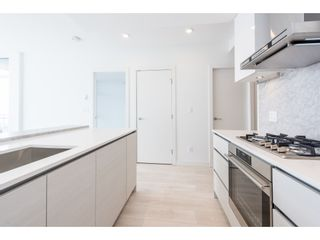 """Photo 8: 5101 4670 ASSEMBLY Way in Burnaby: Metrotown Condo for sale in """"Station Square"""" (Burnaby South)  : MLS®# R2351186"""