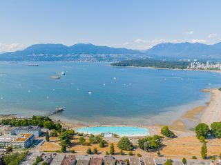 """Photo 3: 401 2298 W 1ST Avenue in Vancouver: Kitsilano Condo for sale in """"The Lookout"""" (Vancouver West)  : MLS®# R2617579"""