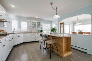 "Photo 12: 15452 VICTORIA Avenue: White Rock House for sale in ""White Rock Hillside"" (South Surrey White Rock)  : MLS®# R2558705"
