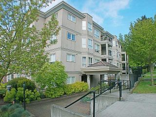 """Photo 1: 304 202 MOWAT Street in New Westminster: Uptown NW Condo for sale in """"SAUSALITO"""" : MLS®# V870490"""
