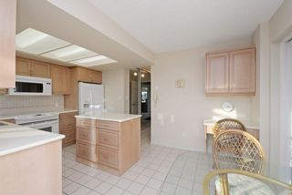 "Photo 13: 6 1717 DUCHESS Avenue in West Vancouver: Ambleside Condo for sale in ""THE REGENT"" : MLS®# R2233596"