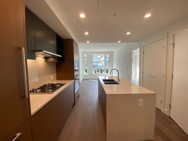 Photo 2: Photos: 110-469 W. King Edward in Vancouver: Marpole Condo for rent