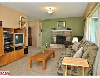 Photo 4: 2210 MARTENS Street in Abbotsford: Poplar House for sale : MLS®# F1003280