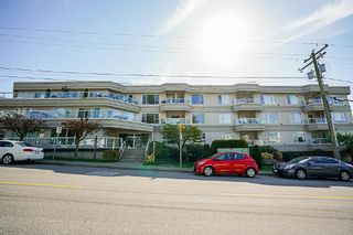 Photo 1: 106 1378 GEORGE Street: White Rock Condo for sale (South Surrey White Rock)  : MLS®# R2310592