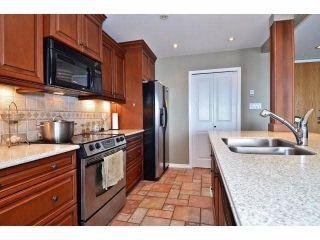 """Photo 10: 305 15025 VICTORIA Avenue: White Rock Condo for sale in """"Victoria Terrace"""" (South Surrey White Rock)  : MLS®# F1412030"""
