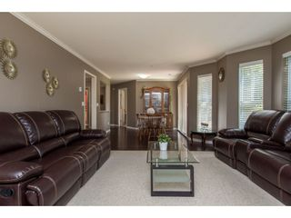 """Photo 10: 116 7151 121 Street in Surrey: West Newton Condo for sale in """"The Highlands"""" : MLS®# R2481693"""