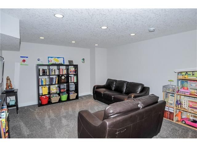Photo 11: Photos: 1912 GLENWOOD Drive SW in Calgary: Glendale House for sale : MLS®# C4093243