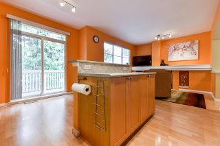 """Photo 5: 32 2588 152 Street in Surrey: King George Corridor Townhouse for sale in """"Woodgrove"""" (South Surrey White Rock)  : MLS®# R2540147"""