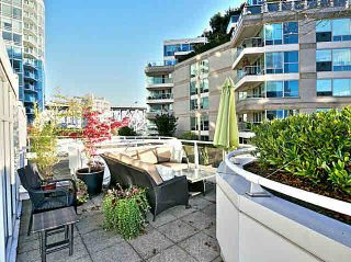Photo 1: T5 1501 Howe Street in Vancovuer: Yaletown Townhouse for sale (Vancouver West)  : MLS®# V1087421