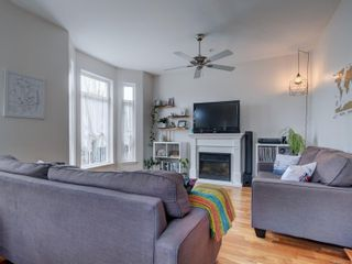 Photo 2: 102 1510 Hillside Ave in Victoria: Vi Oaklands Row/Townhouse for sale : MLS®# 874175