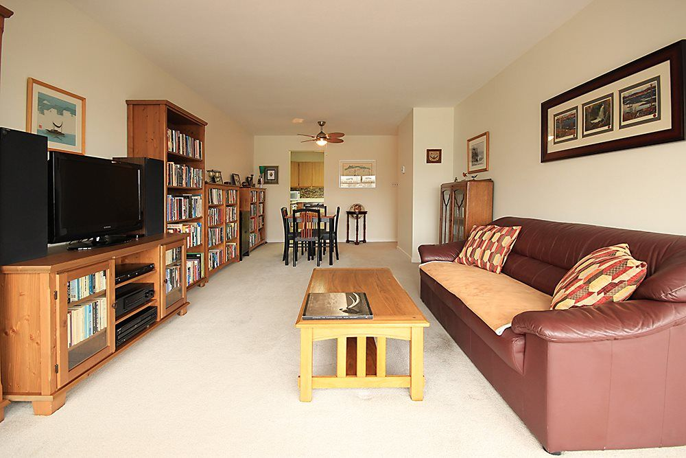 """Main Photo: 903 615 BELMONT Street in New Westminster: Uptown NW Condo for sale in """"BELMONT TOWERS"""" : MLS®# R2152611"""