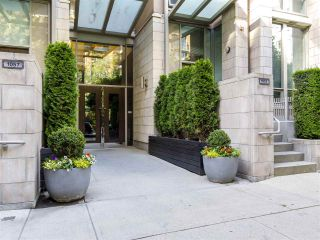 """Photo 39: 2001 1055 RICHARDS Street in Vancouver: Downtown VW Condo for sale in """"Donovan"""" (Vancouver West)  : MLS®# R2555936"""