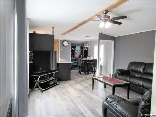 Photo 4: 14 Hornshaw Street in Pine Ridge: Pineridge Trailer Park Residential for sale (R02)  : MLS®# 1807564