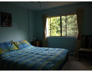 """Photo 9: 302 9101 HORNE Street in Burnaby: Government Road Condo for sale in """"WOODSTONE PLACE"""" (Burnaby North)  : MLS®# V674458"""